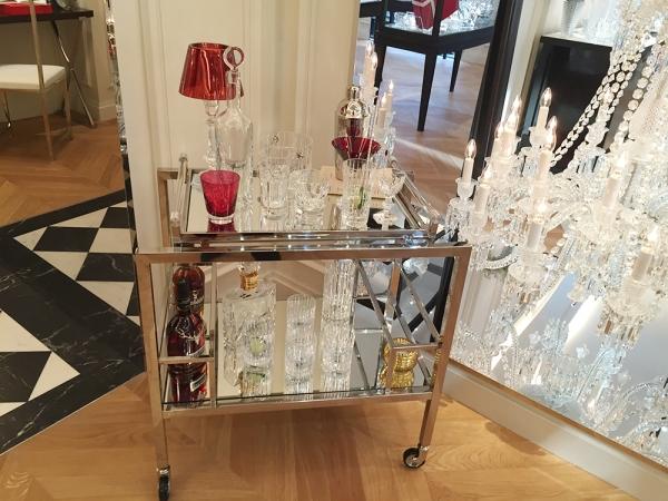 Nowy salon baccarat w pary u galeria niuans blog for Salon baccarat